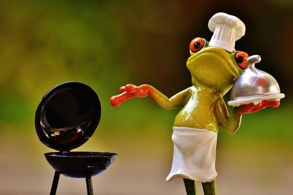Met kip gevulde paprika van de BBQ