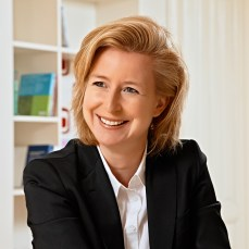 Mag. Birgit Kraft-Kinz, Geschäftsführerin KRAFTKINZ GmbH. Stellvertretende Obfrau FG Werbung & Marktkommunikation Wien. Obfrau Forum Mozartplatz.