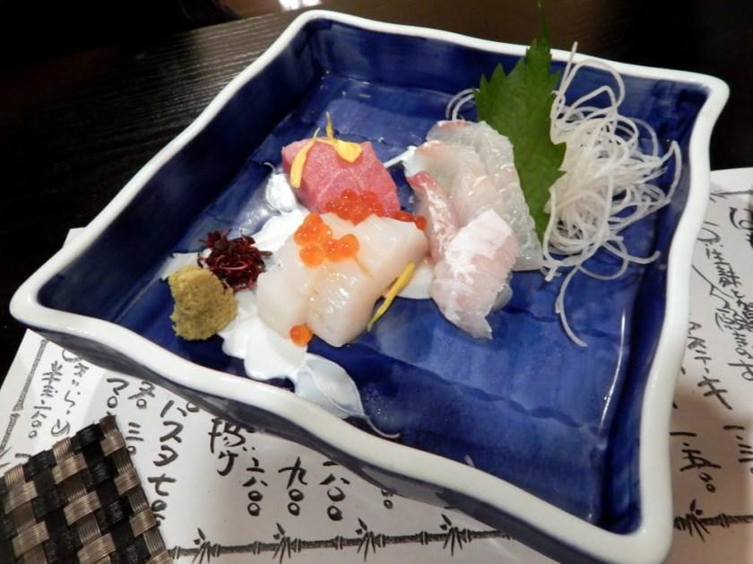 Un piatto di sashimi