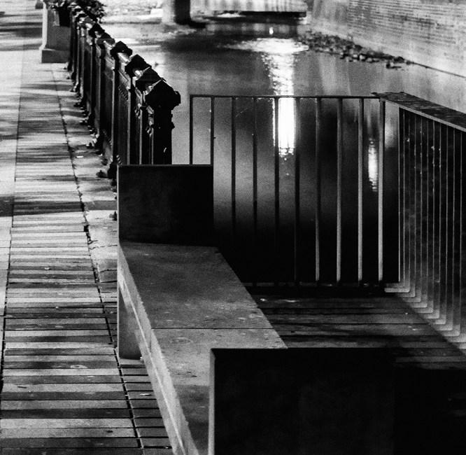 Méditations nocturnes d'un banc dépressif à l'usage des météorologues et autres voyageurs