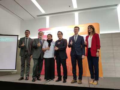 Lanzamiento primera llamada España Tailandia