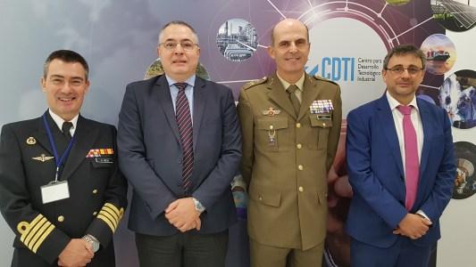 Representantes del CDTI y del Ministerio de Defensa