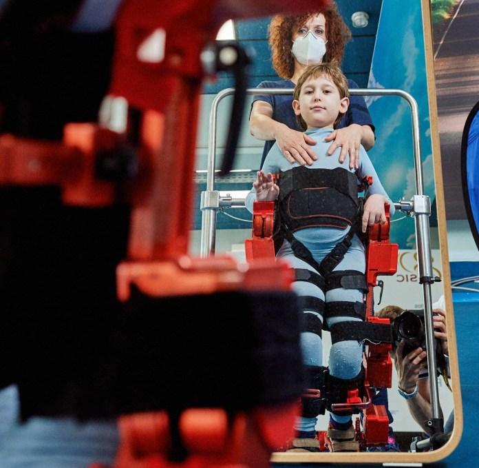 Foto Marsi Bionics: Prueba con exoesqueleto