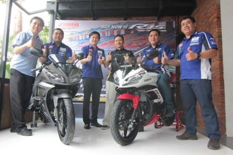 Manajemen PT Yamaha Indonesia Motor Manufacturing (YIMM) dalam press conference YZF-R15 Ohlins Special Edition & YZF-R15 Color Change (tampak YZF-R15 Speed Grey & YZF-R15 Supernova White)(1) pertamax7.com