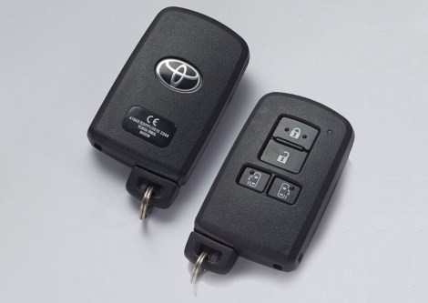 Toyota Sienta Key with Immobilizer