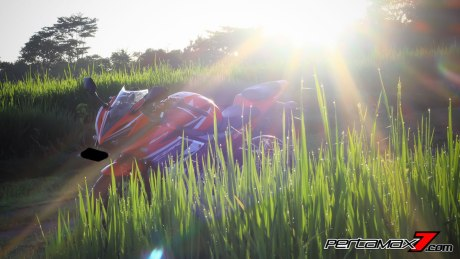 All New Honda CBR150R 2016 Warna Merah Racing Red 3 Pertamax7.com