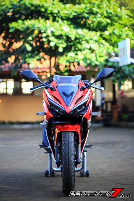 All New Honda CBR150R 2016 Warna Merah Racing Red 71 Pertamax7.com