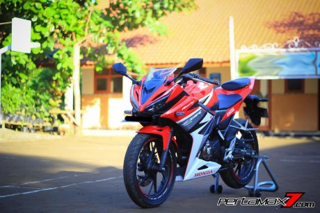 All New Honda CBR150R 2016 Warna Merah Racing Red 82 Pertamax7.com