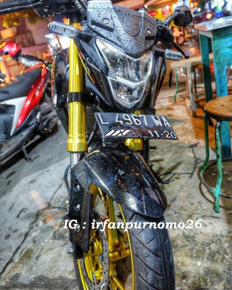 Modifikasi All New Honda CB150R Streetfire Hitam Upside Down Velg Emas 5 Pertamax7.com