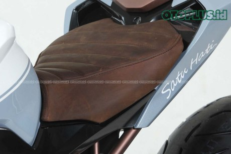 Modifikasi Honda CBR250RR pakai Pro Arm American West Coast Style