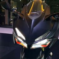 Lampu Sein Depan All New Honda CBR250R diatas Headlamp