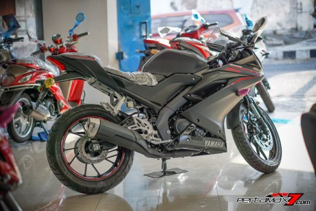 Samping kanan Yamaha All New R15 MY 2017 Wonogiri_-12