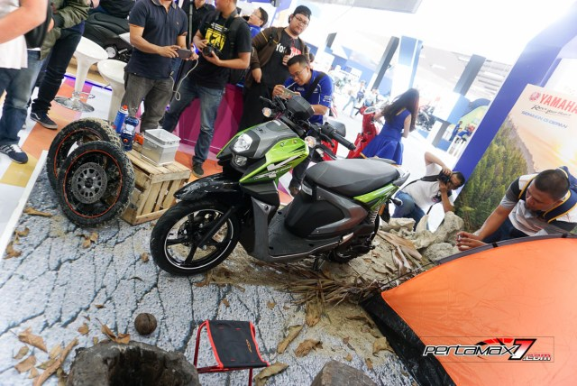 Tampak Samping kiri depan Yamaha All new X-ride 125