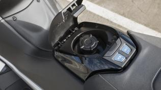 Detail Yamaha New TMAX MY 2018 19 p7