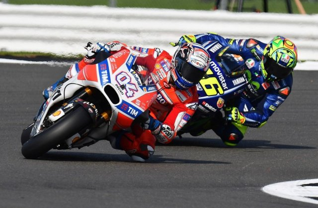 Dovizioso VS Rossi MotoGP UK 2017