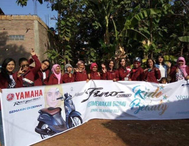 Fino Lovers dalam event Smart Beauty Stylish Fino City Touring & Beauty Class di Jepara