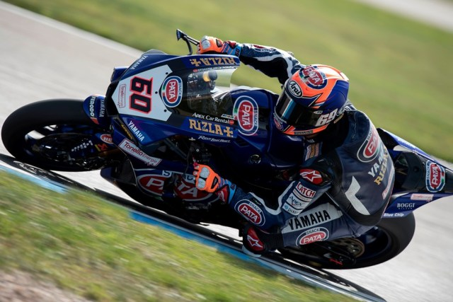 Foto Aksi Michael van der Mark 60 Pata Yamaha Official WorldSBK Team R1