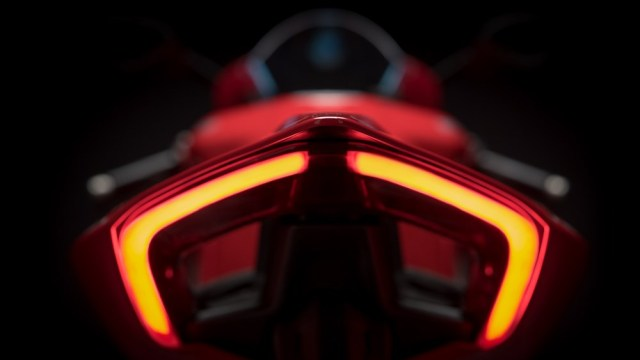 Taillight Ducati Panigale V4 1409 11 P7