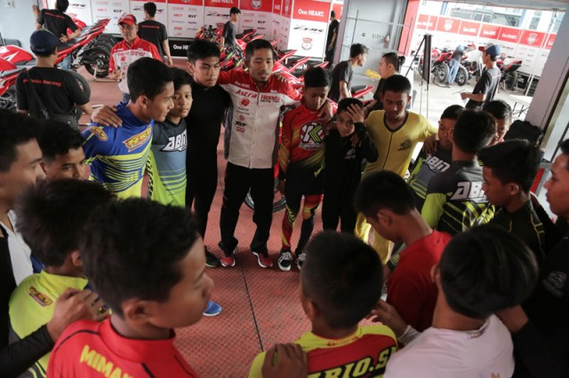 Astra Honda Racing School Briefing IRS 2017
