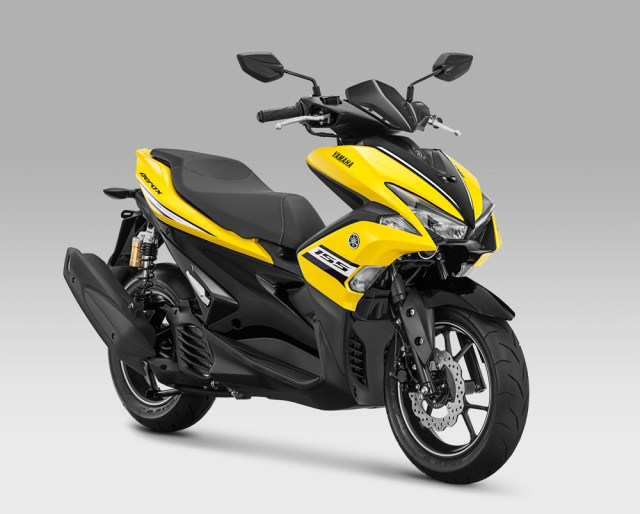 Warna Baru Yamaha Aerox 155VVA R-Version Racing Yellow Kuning 2018