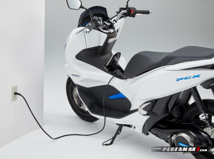 Built In Charger Honda PCX Electric