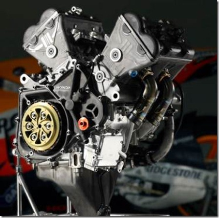 adu Spesifikasi Honda RC213V Vs Yamaha YZR M1 versi 2013