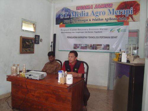 Pelatihan di ST Media Agro Merapi