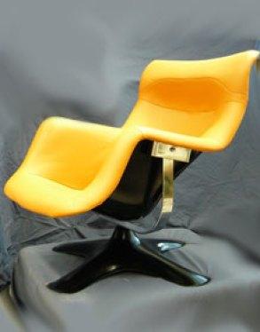 Yrjö Kukkapuron vuonna 1965 suunnittelema Karuselli-tuoli