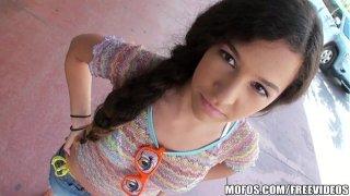 Annika Viaja a Los Ángeles y recibe Una Verga Dura en su Chocho. xXx peruanas Hasta Arreventar.