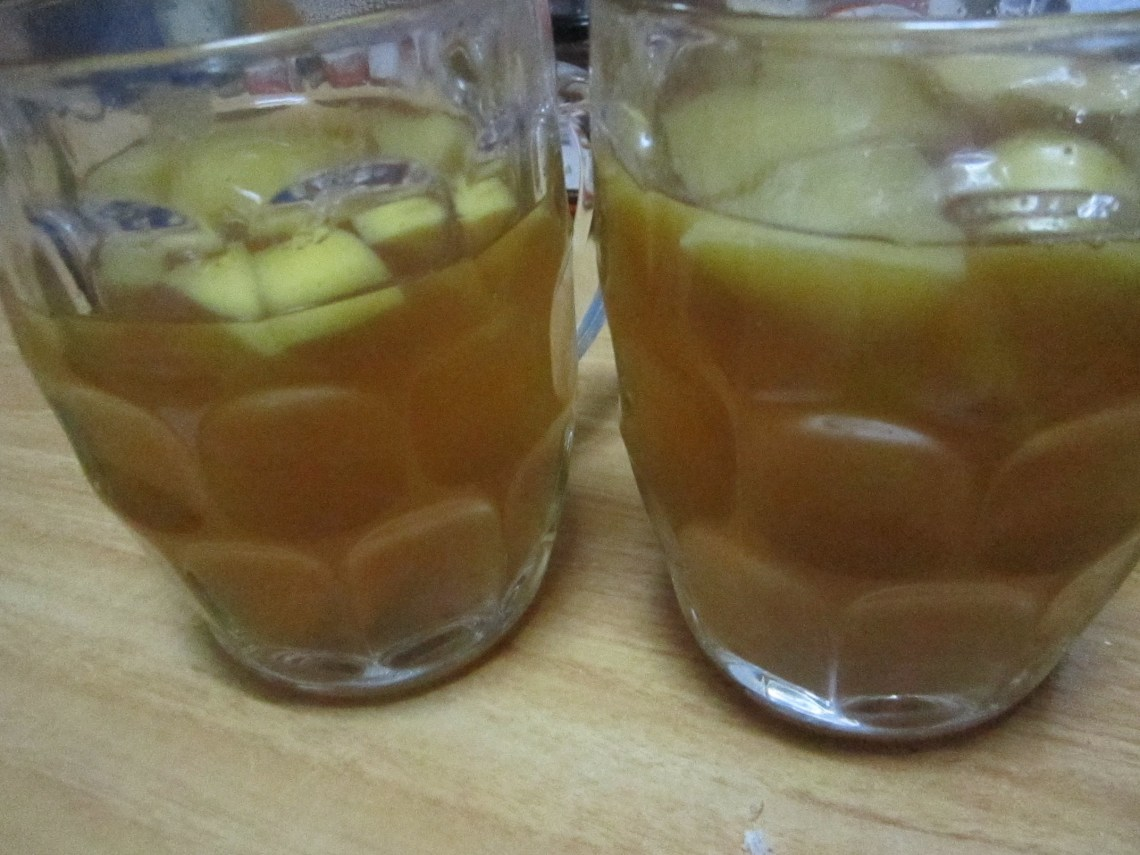How to Make Traditional Peruvian Apple Water (Recipe)