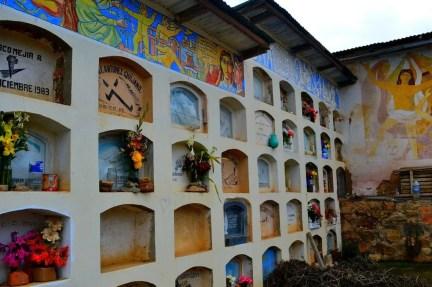 Nichos-Cementerio-de-Huancall-Aija