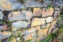 Pircas en excelente estado en los Restos arqueológicos de Illauro