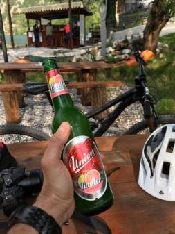 Dann ist der Tag im Kasten und es ist Zeit für ein echt slowenisches Radler.