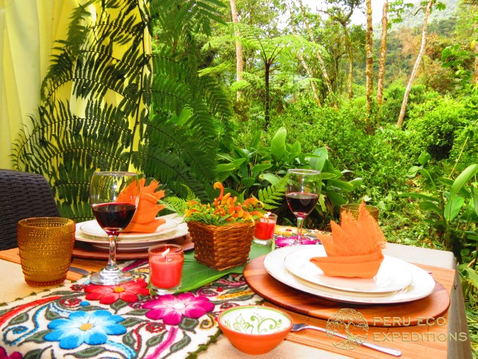 Lemuria Table Setting - Peru Eco Expeditions