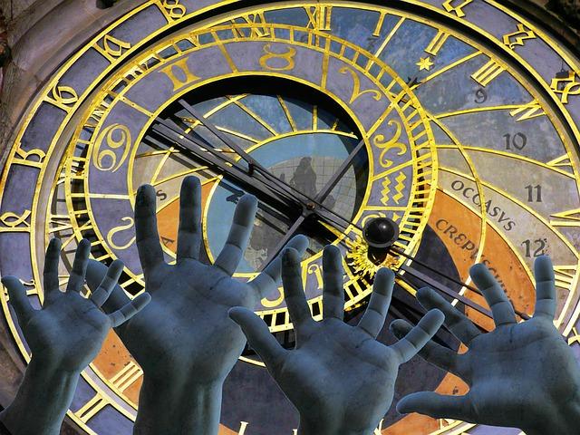 hands-1248727_640