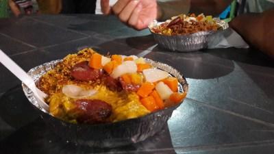 Vatapá, creme de milho, arroz temperado baião de dois, saladinha, paçoca e linguiça