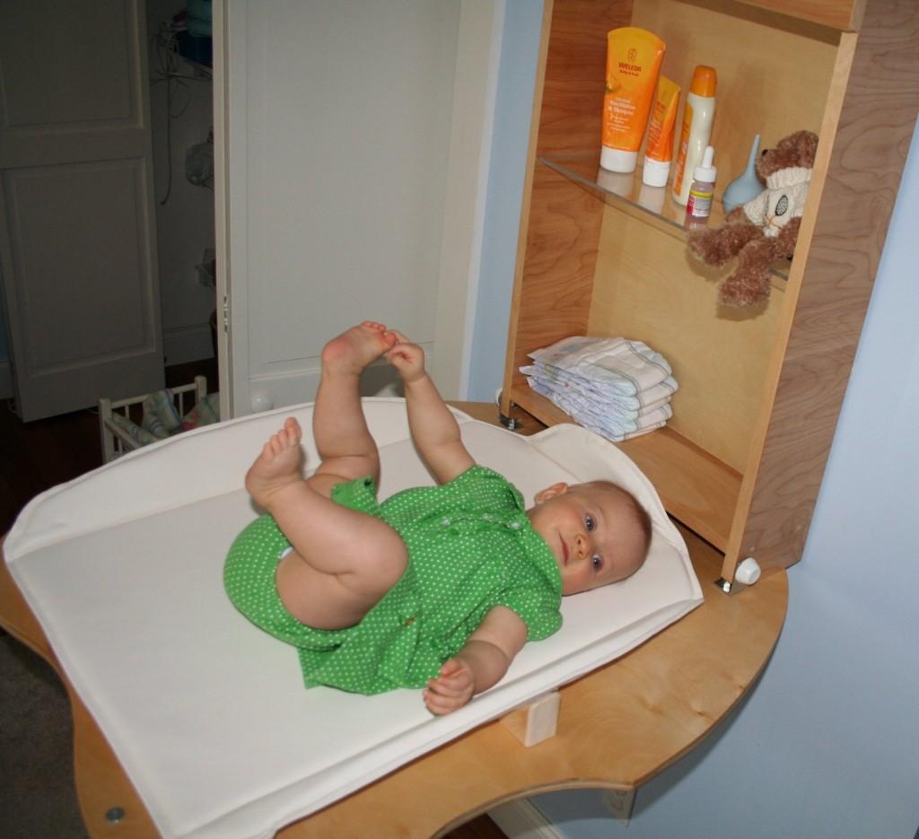 Fold Down Baby Changing Table » Petagadget