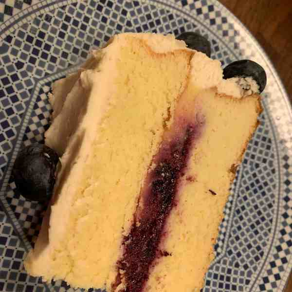 Gluten-Free, Sugar-Free Lemon Berry Cake