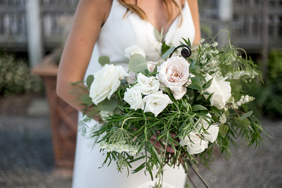 neutral colored wedding bouquet