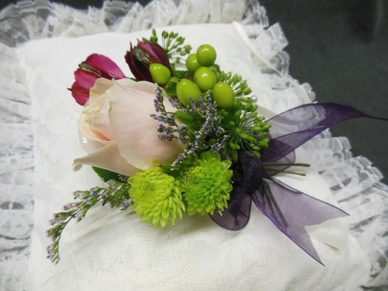 picture of corsage on pillow