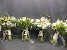 picture of bridesmaids boquets