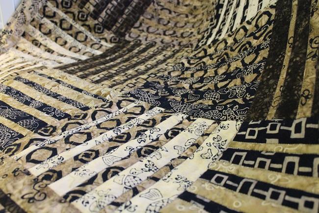 zoom-batik-quilt-1
