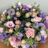 Rosebuds & Daisy Round Wreath