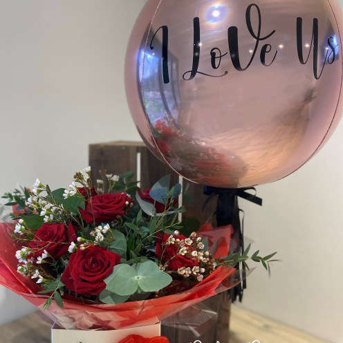 Valanties 6 Red Rose Bouquet with Pink Bubble 24 inch Ballon Sumptuous