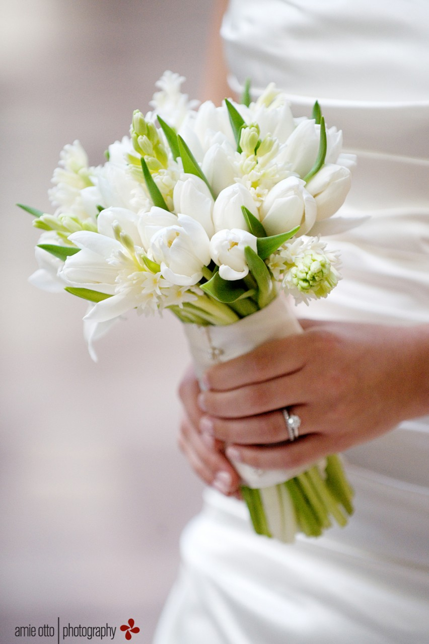 Ask the florist white flowers ivory dress petals edge floral photo by amie otto photography izmirmasajfo