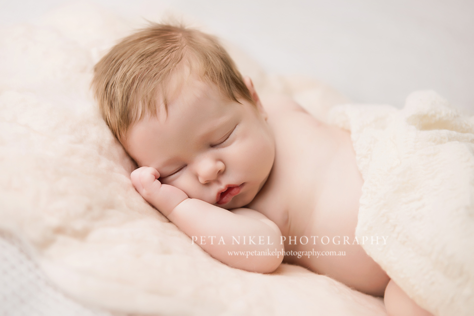 Award Winning Newborn baby photographer in Hobart