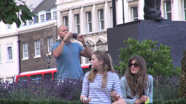 Video: Pranksters Use Squirt Gun Camera to Covertly Spray People in London camprank1