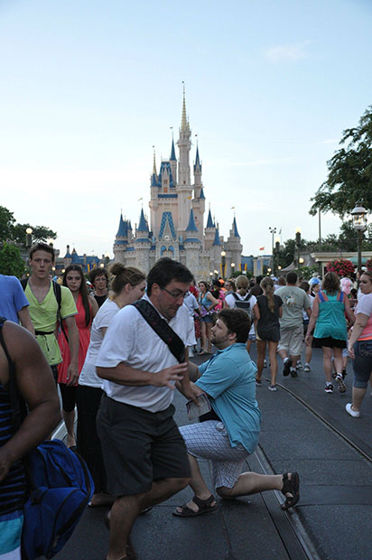 Man Photobombs Disney World Proposal, Gets Turned Into an Internet Meme disneylandproposal