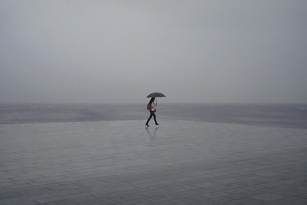 Minimalist Photos of Overcast Sunrises Over the Barcelona Sea grey14