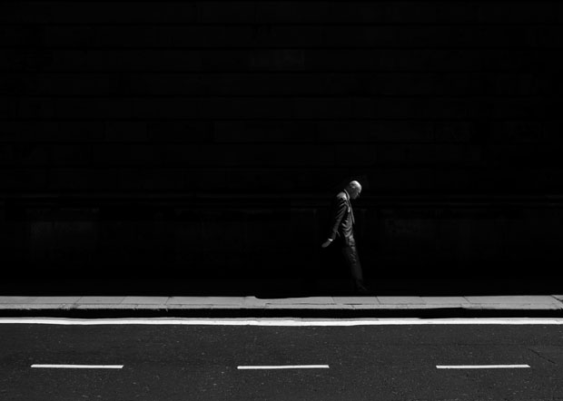 Photographer Uses Light and Shadows to Frame Human Forms in the City manonearth 10